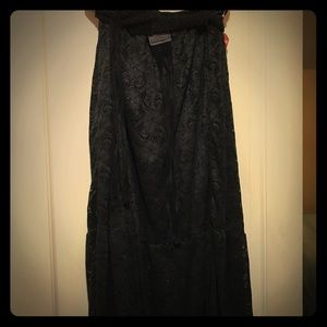 Dresses & Skirts - Plus sized women's lined black lace maxi skirt